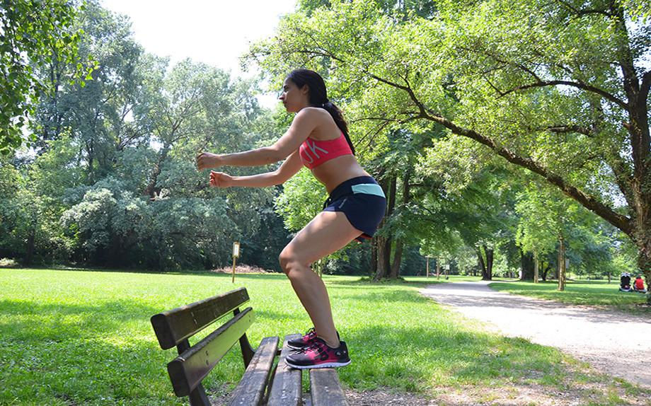 esercizi-al-parco-con-una-panchina-9