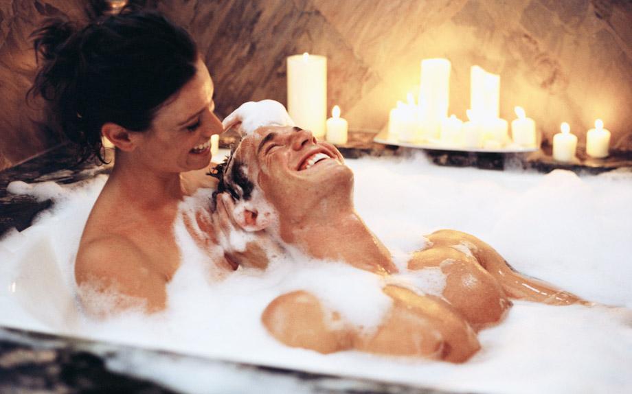 Bagno Con Un Ragazzo : Cinque step per un bagno sensuale insieme a lui glamour