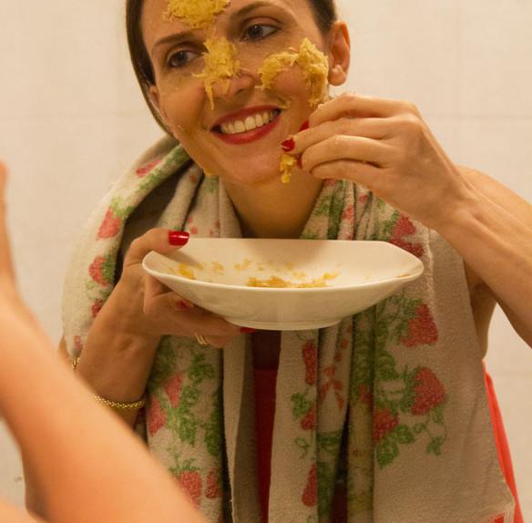 Maschera viso anti-macchia a base di patate e latte