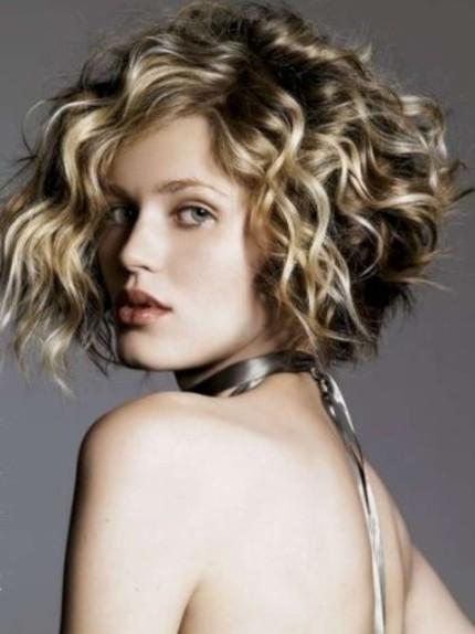 Tagli capelli lunghi e folti