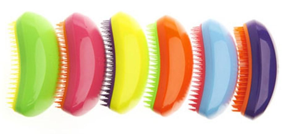 non sapremo mai se i famosi cento colpi di spazzola sono un toccasana per i capelli o una vecchia storiella che si perde nella notte dei tempi