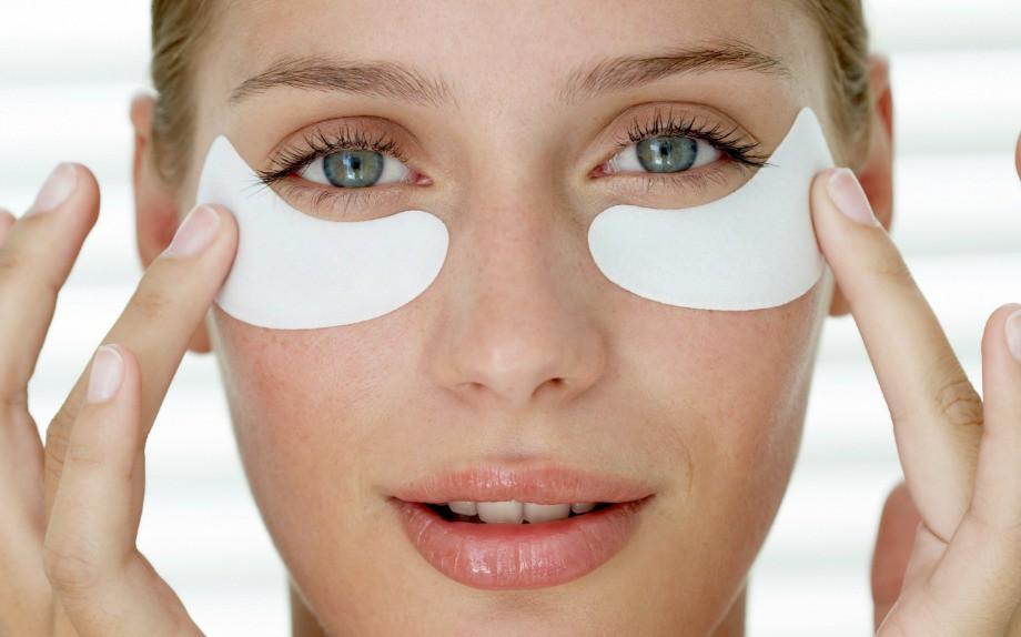 Massaggio da rughe sulla faccia a shiayets