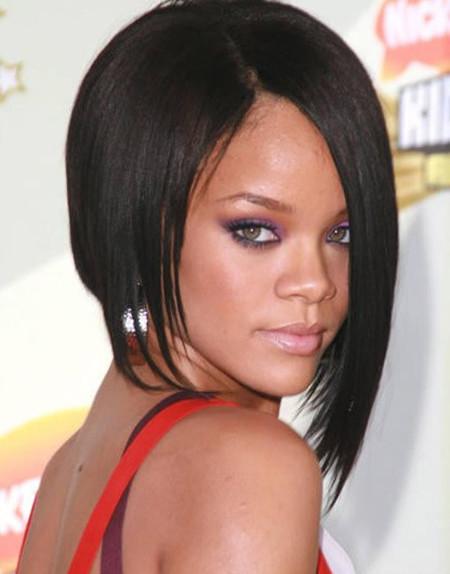 Rihannas-Awesome-Asymmetric-Bob-Cut