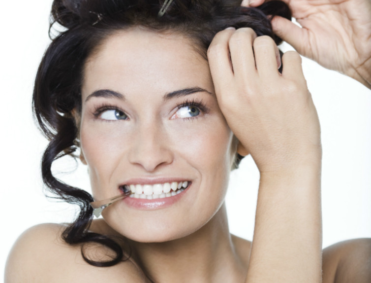 Come arricciare i capelli senza piastra - Glamour.it