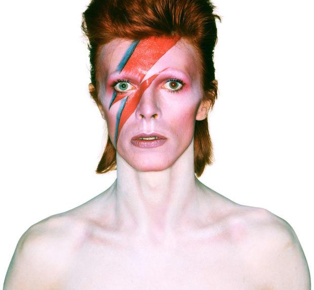 David Bowie 10 Indimenticabili Beauty Look Del Duca Bianco Glamour It