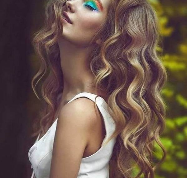 hairstyles-for-long-wavy-hair-with-layers-600x901