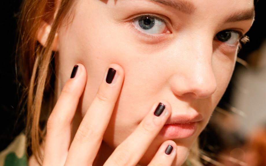 Vera-Wang-nail-contouring