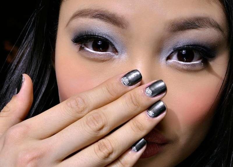 grigio-metallizzato-sulle-unghie-dellinverno-2016