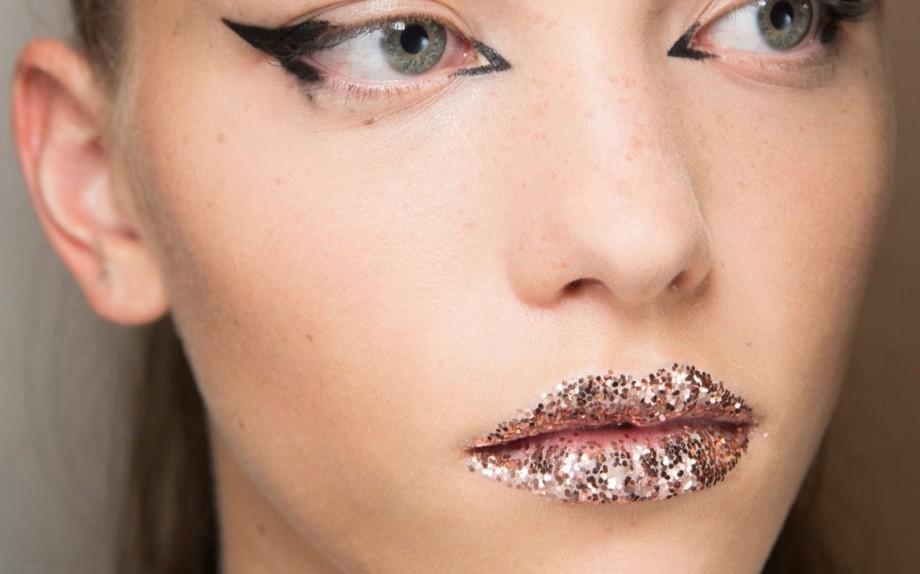 glitter lips