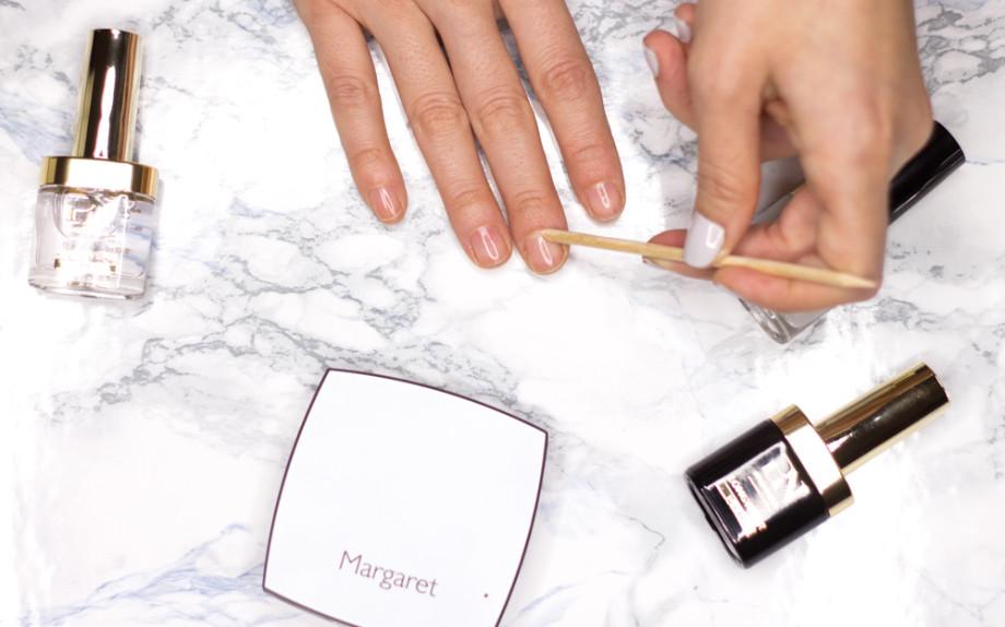 Spingi cuticole - Come Fare manicure in casa