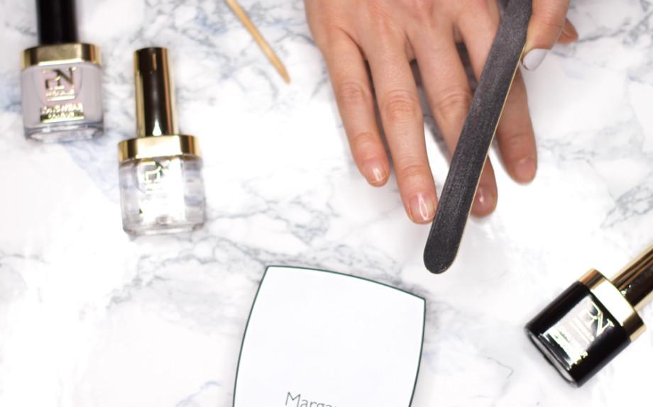 Come fare manicure in casa, limare le unghie
