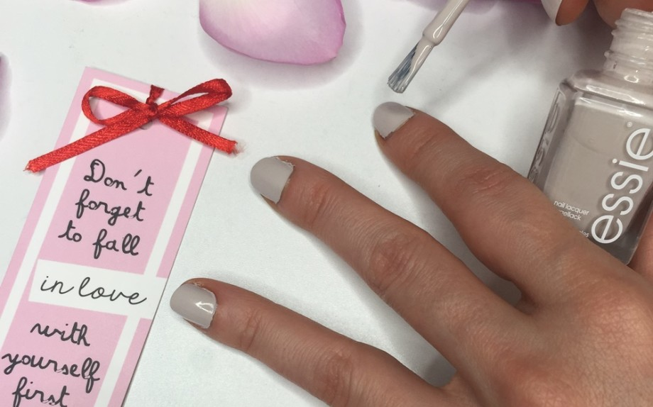 Scelta smalto - come fare manicure in casa