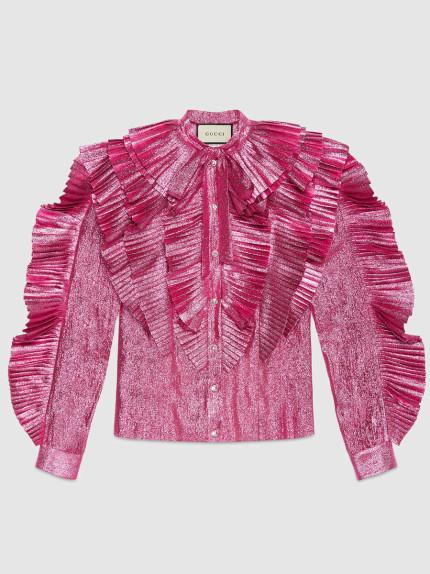 Gucci osa con un rosa acceso e metallizzato