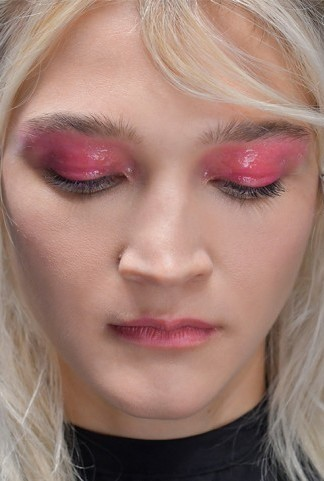 Trucco occhi primavera 2017 eyeliner smudgy effetto winged o cat eye - Trucco effetto bagnato ...