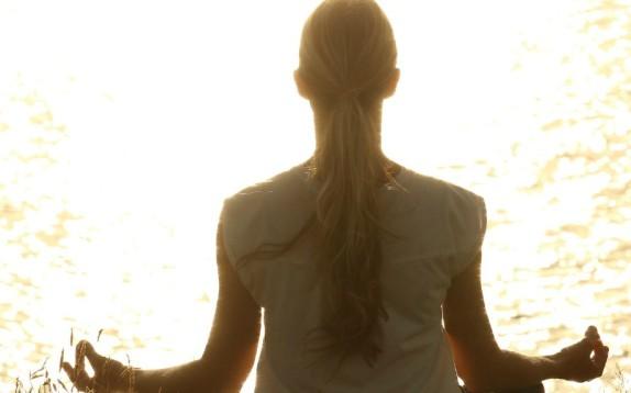 Meditazione, una ricerca dimostra che per dimagrire è meglio della dieta