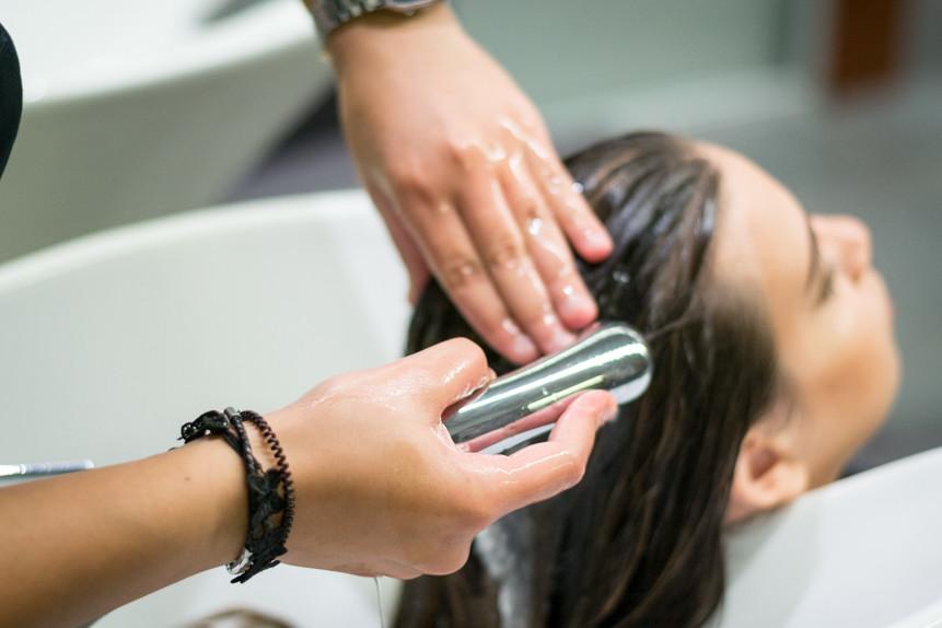 Trattamento ristrutturante Framesi Morphosis Re-structure Parrucchiere Arvi's Milano Hair Capelli (1)