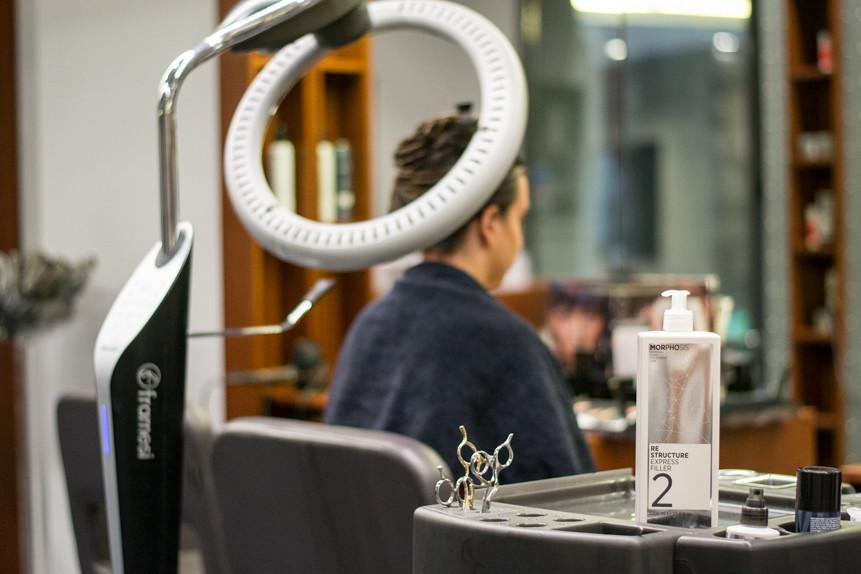Trattamento ristrutturante Framesi Morphosis Re-structure Parrucchiere Arvi's Milano Hair Capelli (3)