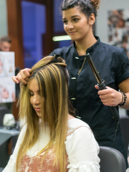 Trattamento ristrutturante Framesi Morphosis Re-structure Parrucchiere Arvi's Milano Hair Capelli Capelli lisci piega (6)