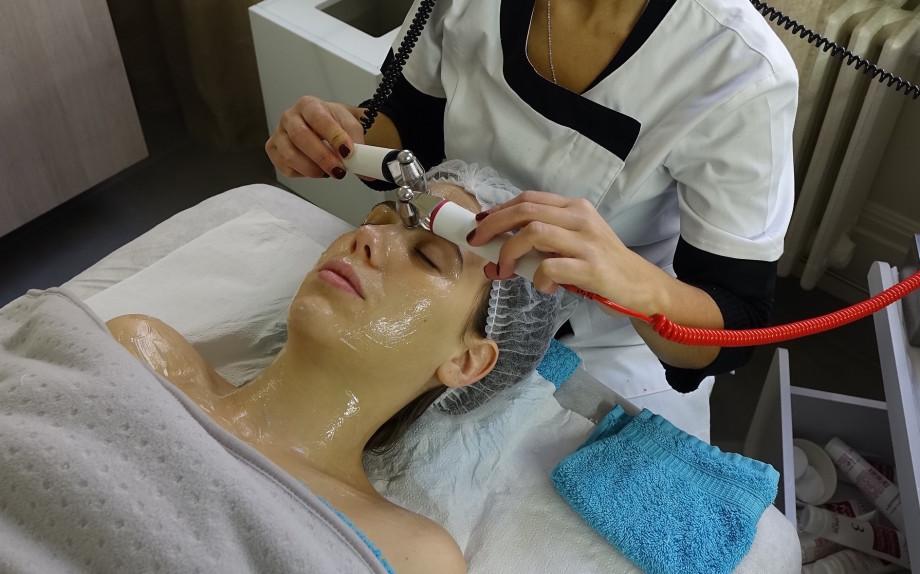eleonora-milano-spa-trattamenti-viso-nel-mondo-glmaour-hydradermie-rulli-ionizzazione