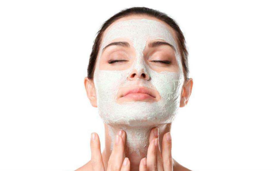 come sgrassare la pelle del viso