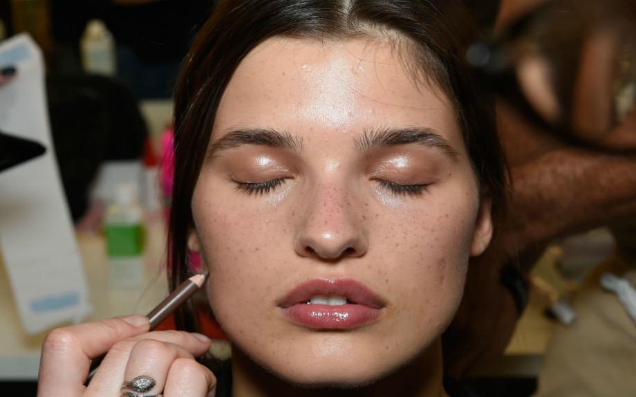 Make up occhi sopracciglia smokey eyes mascara - Trucco effetto bagnato ...
