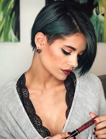 Tagli capelli 2018 bob destrutturato