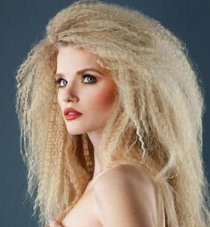 Piega frise capelli corti