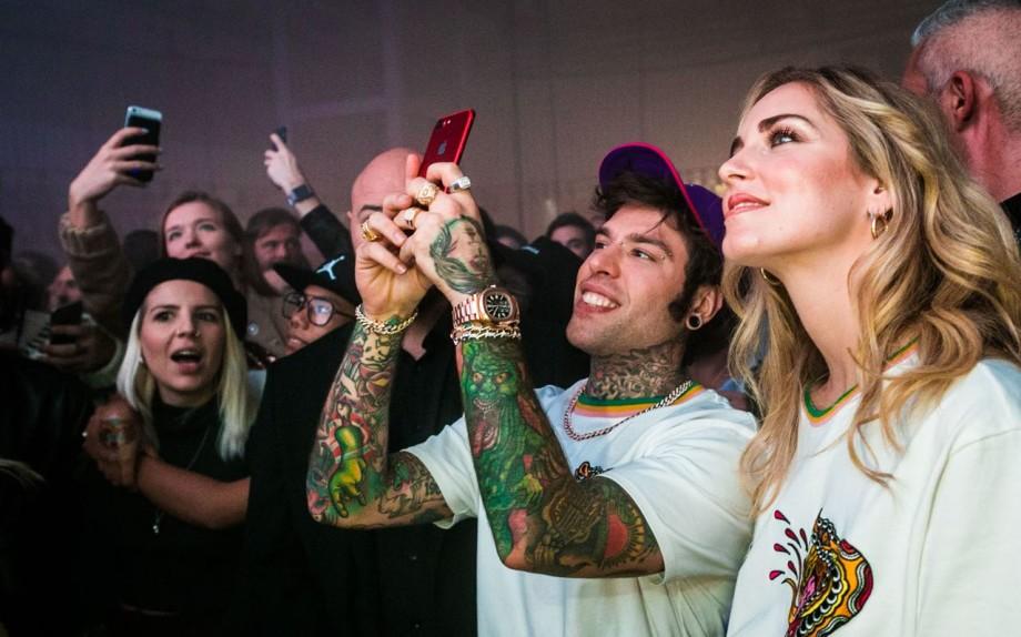 Cinque regole per un selfie perfetto for Collezione bershka fedez
