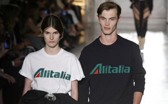 Scelto da Glamour: la capsule collection Alitalia di Alberta Ferretti