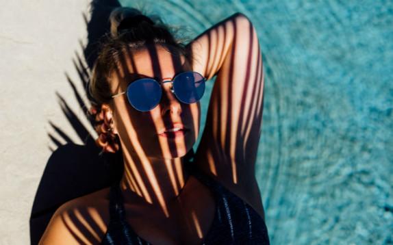 Cosa mangiare per compensare gli effetti negativi del sole sulla pelle
