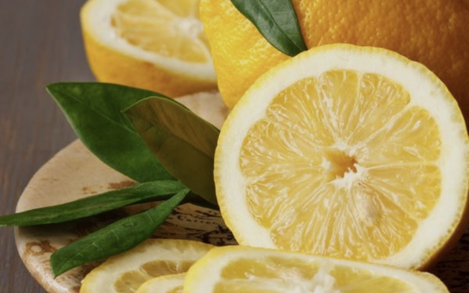cetriolo e limone che dimagriscono ananasa