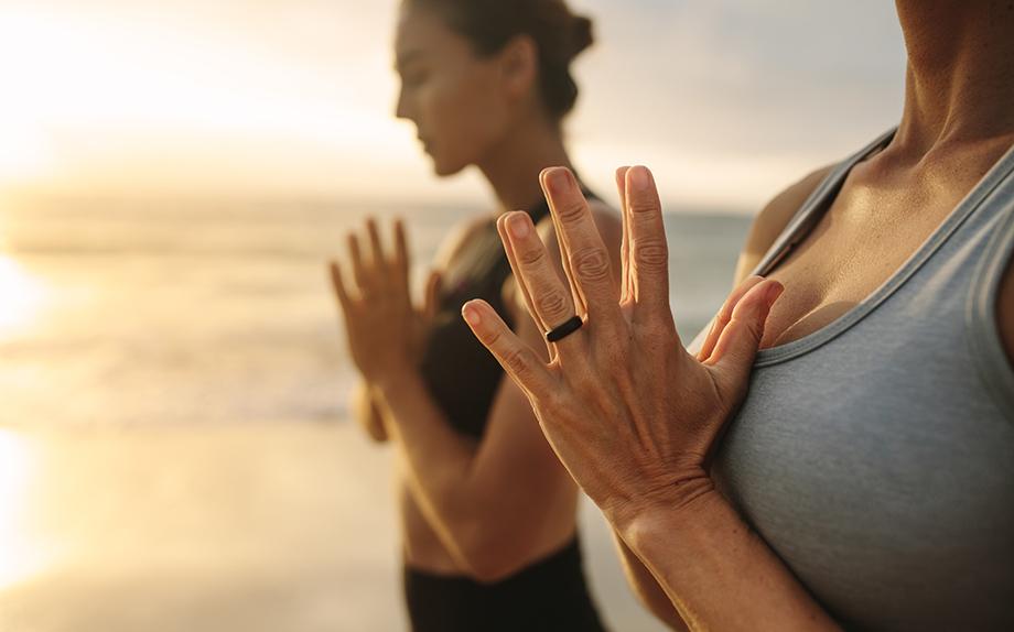 I benefici fisici della meditazione | Vogue Italia