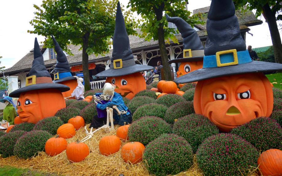 Gardaland Magic Halloween addobbi