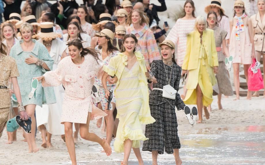 Ci sono stati momenti salienti durante la maratona di fashion week in cui i  designer hanno presentato le loro creazioni per la Primavera estate 2019. 8fc204a3017