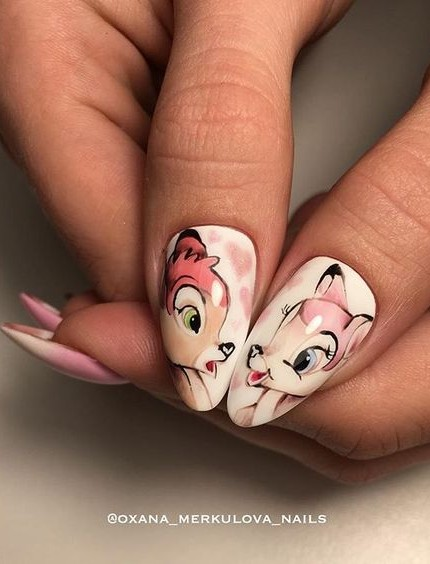 Phoro credit Instagram: @oxana_merkulova_nails