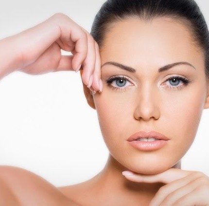 Pulizia del viso: gli step fondamentali da non saltare mai