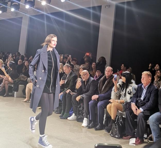 Chiome ondulate dalla New York Fashion Week
