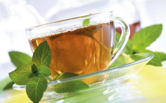 Il tè alla menta ha tanti benefici