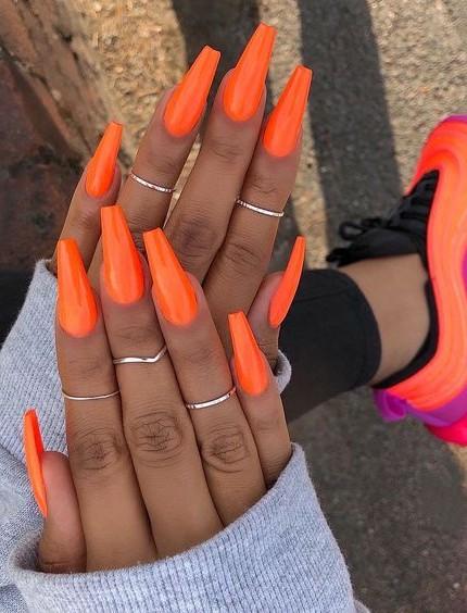 colore unghie estive 2019