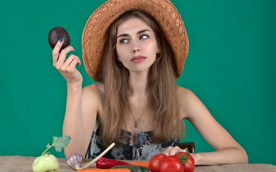 Come rinforzare capelli: Buona alimentazione
