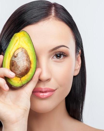 Avocado: tutte le sue proprietà beauty