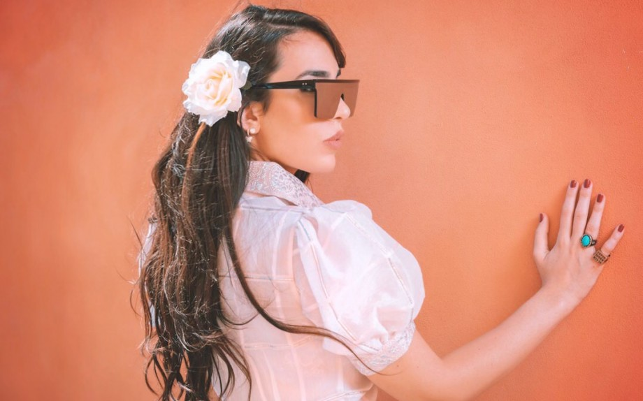 Model Angela Manzoni, Mua: Antonella Rosati