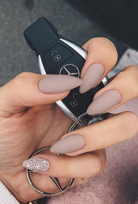 credits Pinterest @nailpolishideas