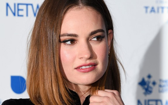 Capelli, toasty ombré come Lily James